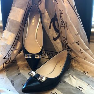 Coach Black Bow Tie Flats Gold Trim and Trim